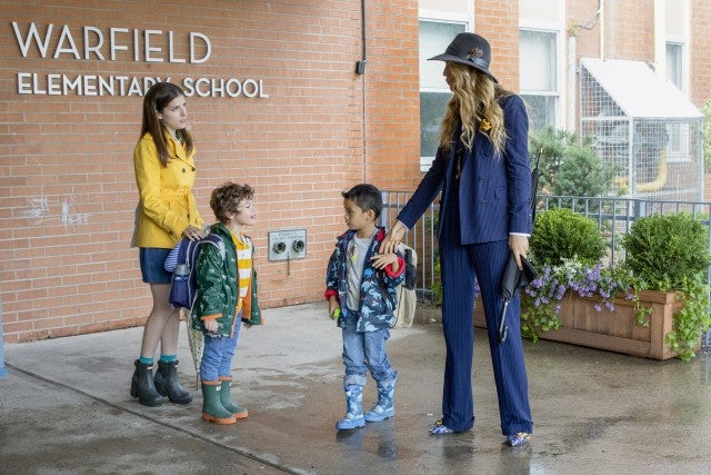 A Simple Favor scene Anna Kendricks, Blake Lively and kids