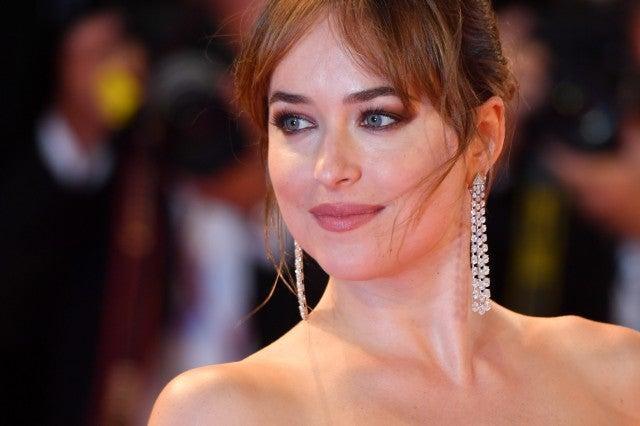 Dakota Johnson Make Up Suspira Venice Film Festival