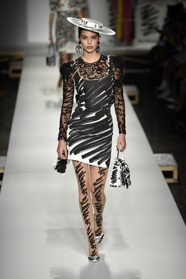 Kendall Jenner Moschino runway
