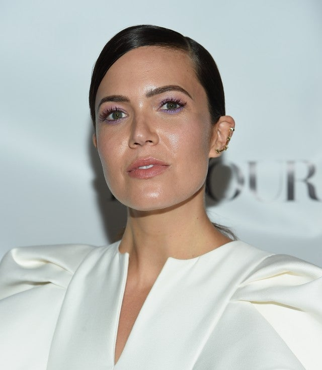 Mandy Moore purple eyeshadow