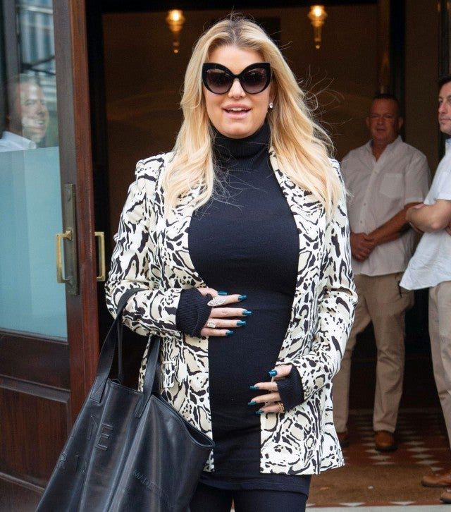 Jessica Simpson Shows Off Her Baby Bump In Nyc After
