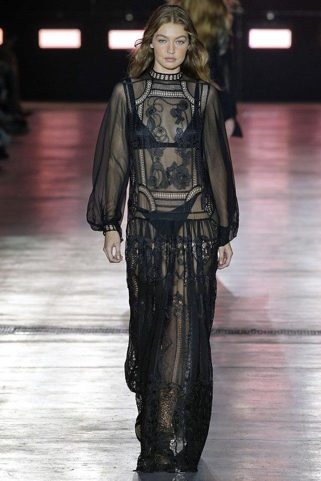 Gigi Hadid Alberta Ferretti runway