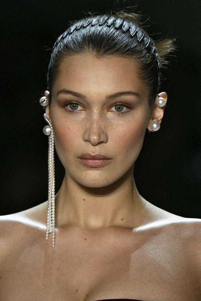 Bella Hadid in hair comb Prabal Gurung fall 2018