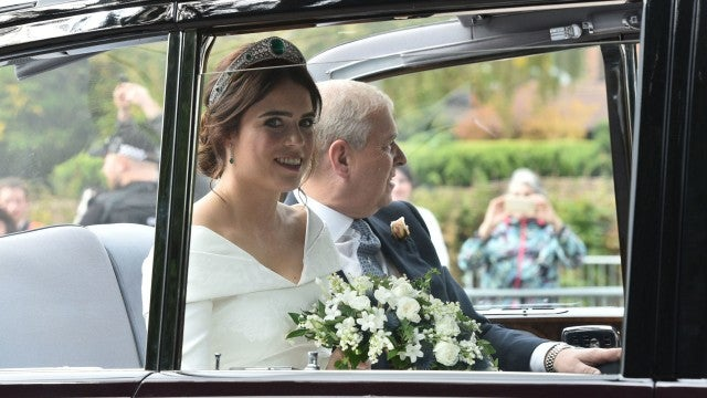 Princess Eugenie arrives to royal wedding