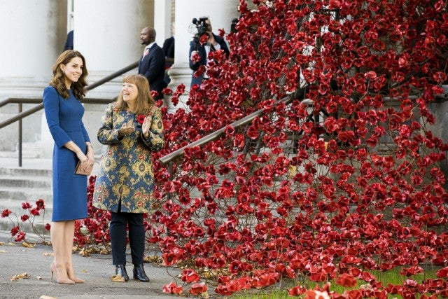 Duchess of Cambridge views moving family letters at Imperial War Museum