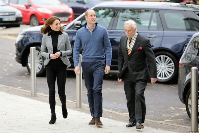 Duchess Kate shown papers about deaths of 3 ancestors in WWI