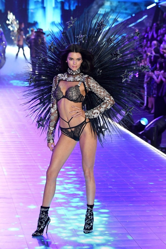 Kendall Jenner Rocks Sexy Scottish Inspired Look At Victoria S