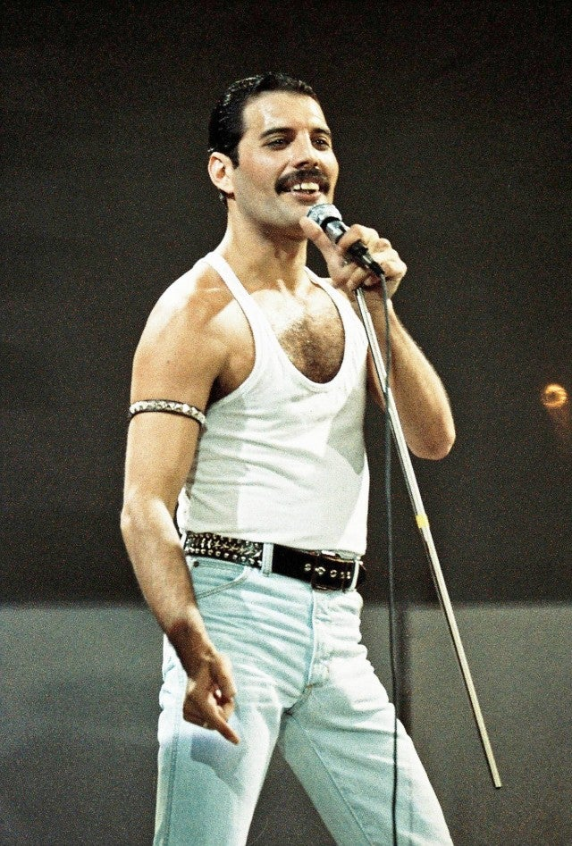 9104fa5102841 Freddie Mercury at Live Aid concert