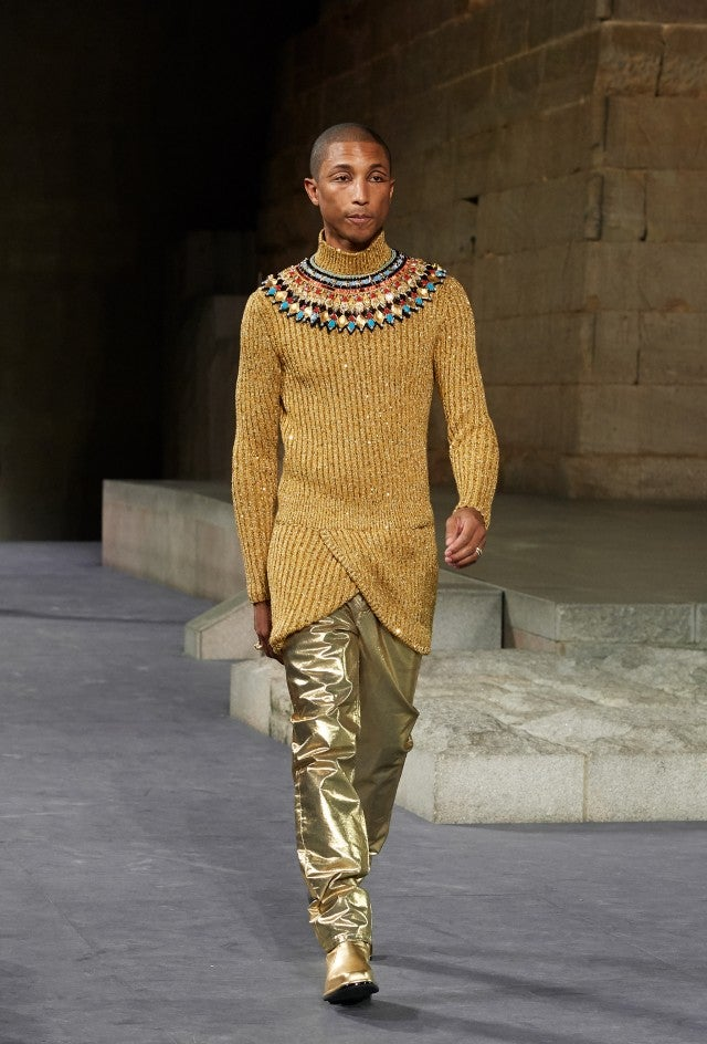 7cfdb5737 Pharrell Williams Channels a Pharaoh at Chanel Runway Show ...