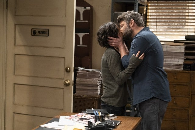 Darlene and Ben kiss in The Conners 109 ep