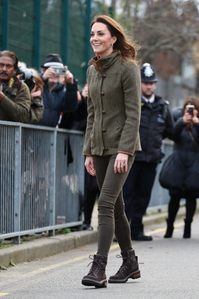 Kate Middleton Miley Cyrus And More Demonstrate How To