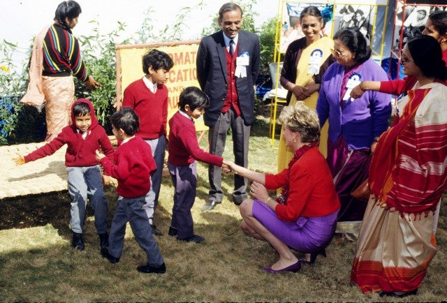 Princess Diana in red and purple in India 1992