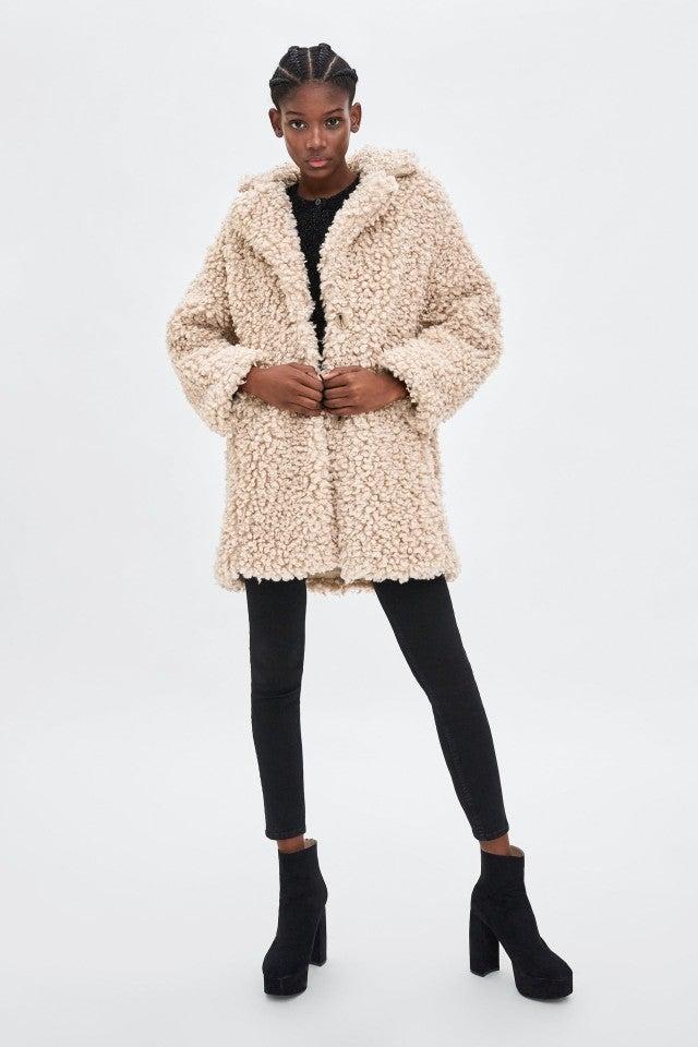 Meghan Markle S Burgundy Coat Is On Sale Among Other