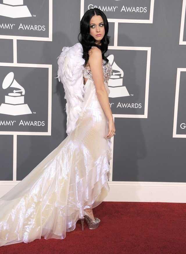 Katy Perry angel wings 2011 Grammys
