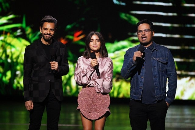 Eugenio Derbez Isabela Moner and Michael Peña Kids Choice Awards
