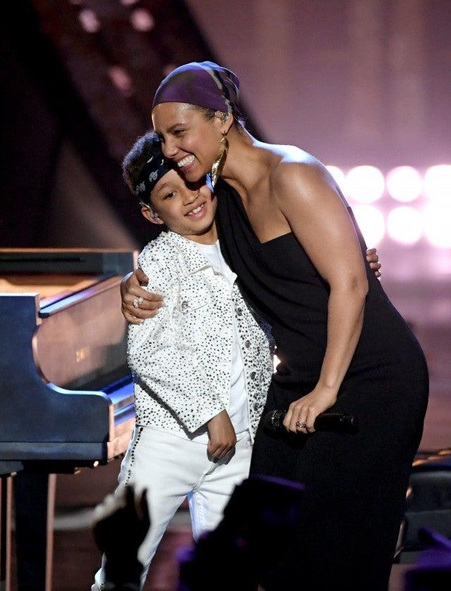 2019 iHeartRadio Music Awards: Alicia Keys and Son Egypt