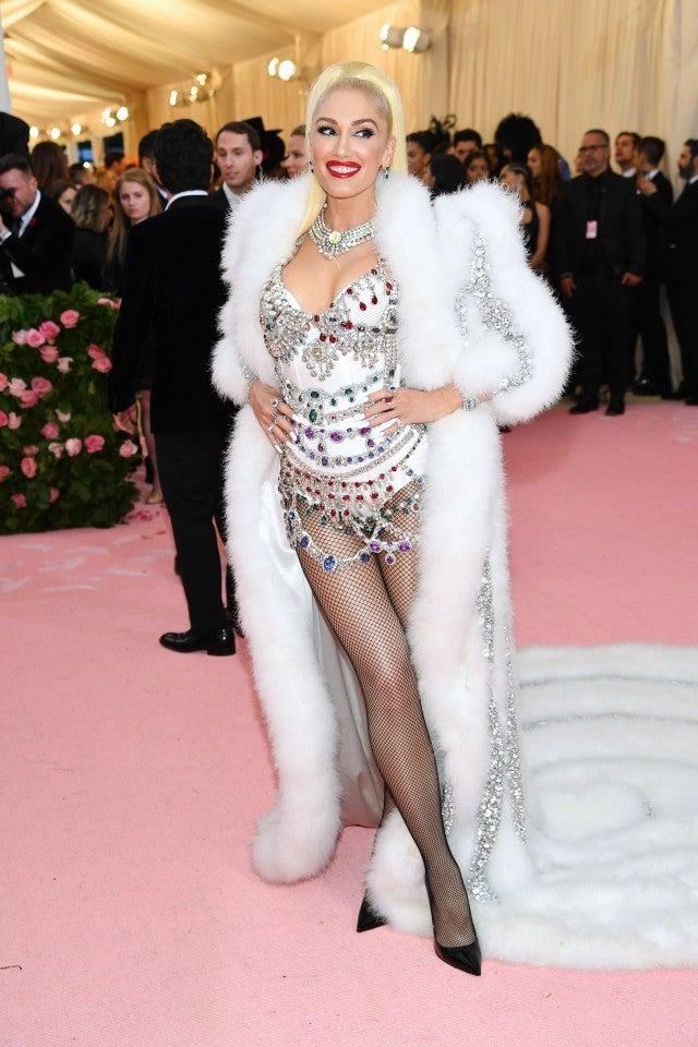 Gwen Stefani Stuns In White While Fantasizing About
