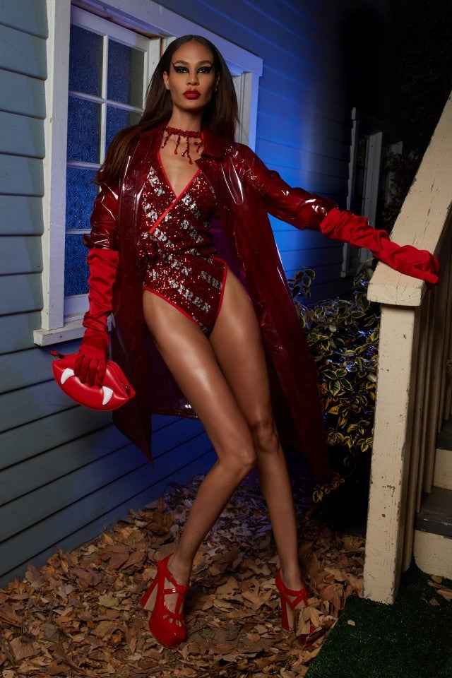 Kate Beckinsale Paris Jackson Amp More Celebs Ring In
