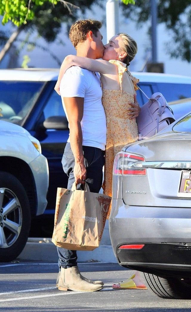 White Malibu Car >> Brie Larson Photographed Kissing Elijah Allan-Blitz ...