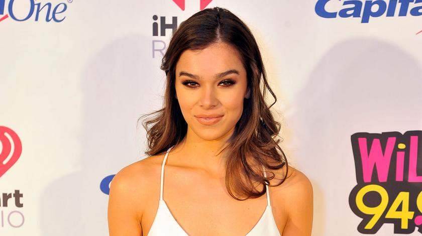 Hailee Steinfeld at Jingle Ball in San Jose