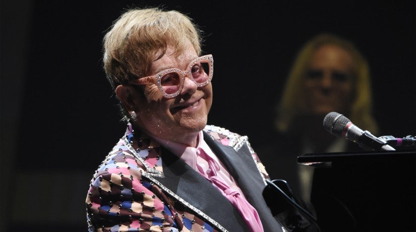 Elton John kicks off tour in philly