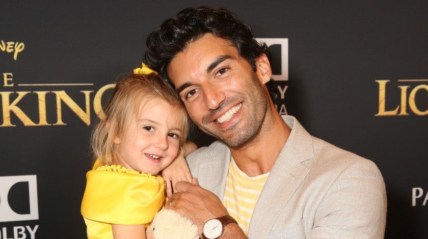 Justin Baldoni and daughter at the lion king premiere