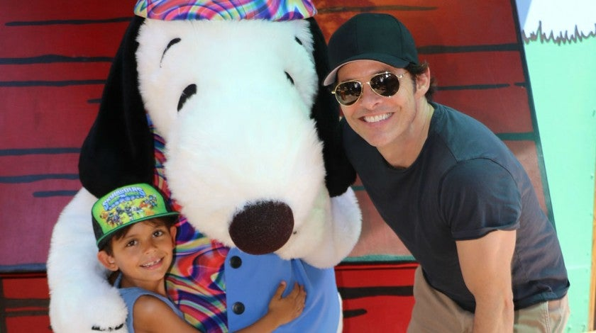 James Marsden and son at knott's berry farm