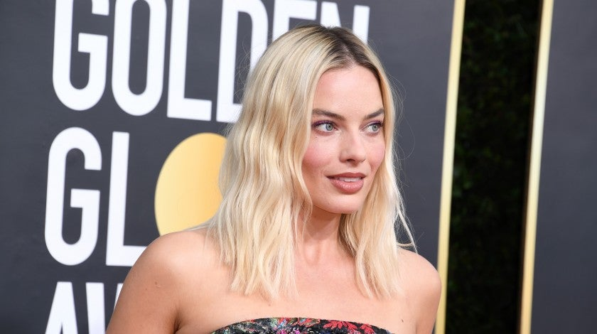 margot robbie at 2020 golden globes