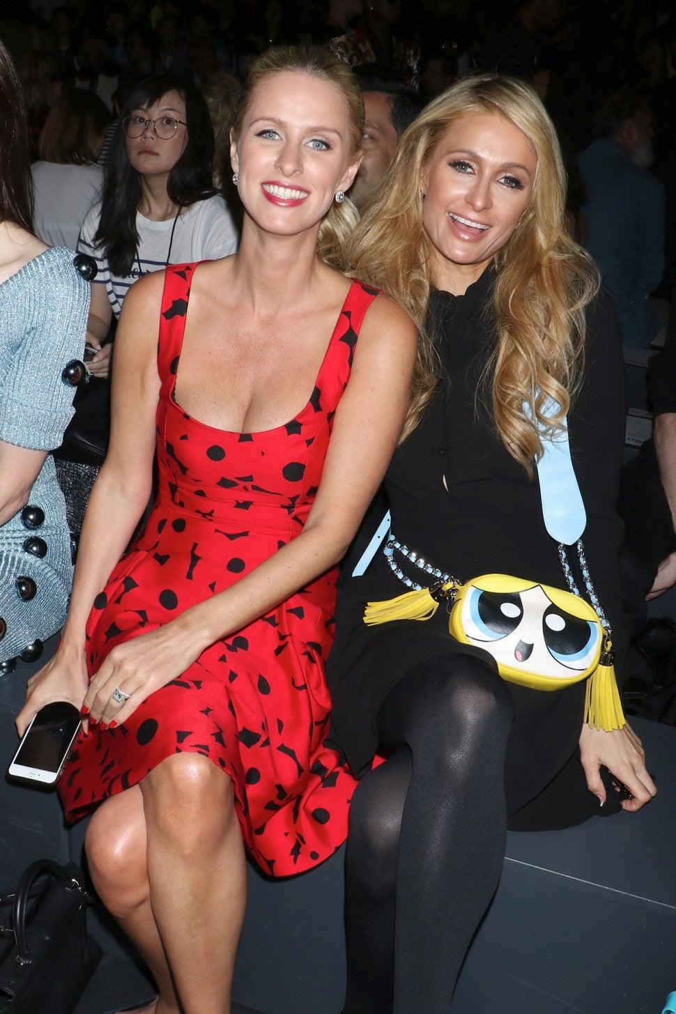 hilton paris nicky sisters adorable etonline shutterstock nyfw outing unite sister rex styles tonight artigo
