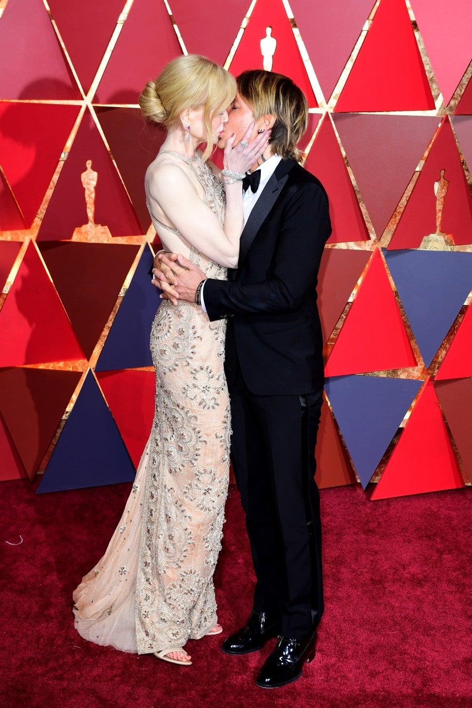 Nicole Kidmans near wardrobe malfunction