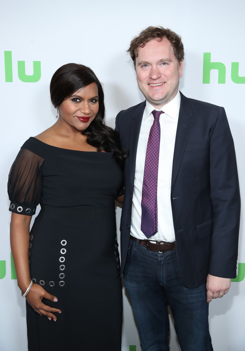 Mindy Kaling Steps Out In Form Fitting Dress Amid Pregnancy Reports Teases Mindy Project Final Season Entertainment Tonight