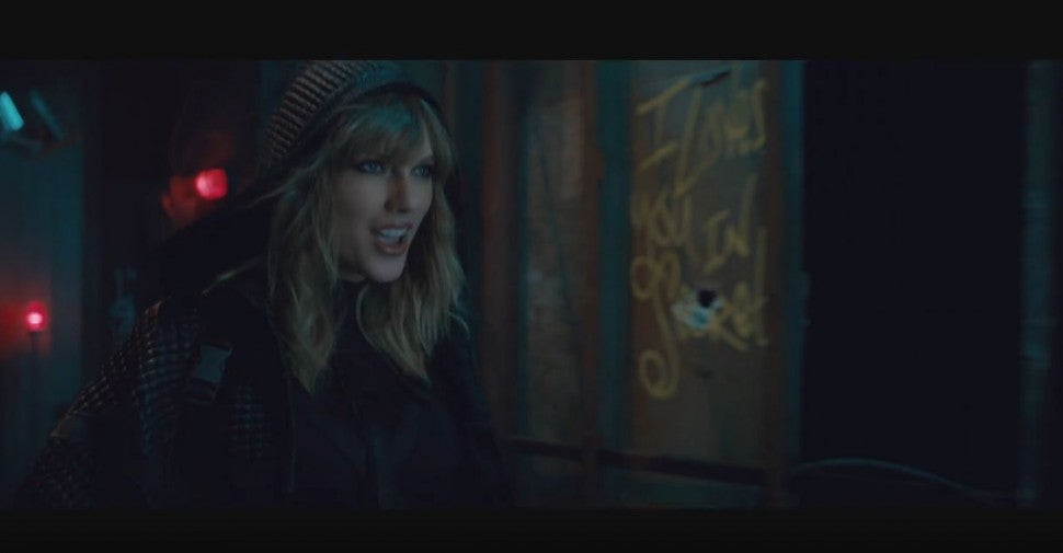 I Love You in Secret, Taylor Swift