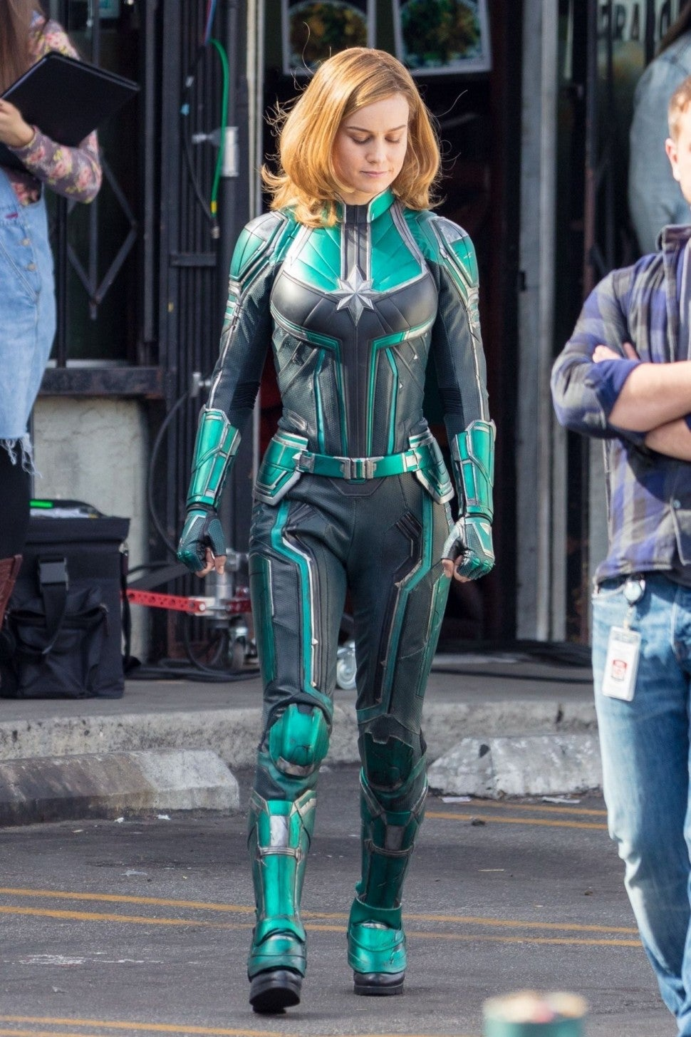 Brie Larson S Captain Marvel Costume Has Fans Freaking Out Here S Why Entertainment Tonight That itself is a rarity when it comes. brie larson s captain marvel costume