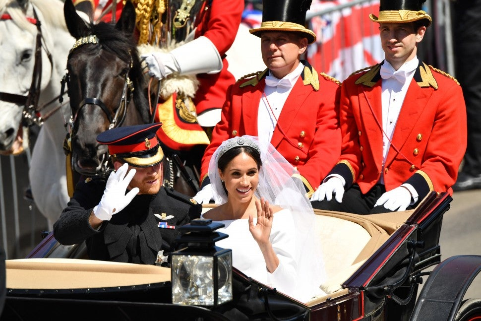 Harry and Meghan in carriage