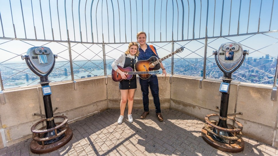 Maddie Poppe & Caleb Lee Hutchinson Empire State Building
