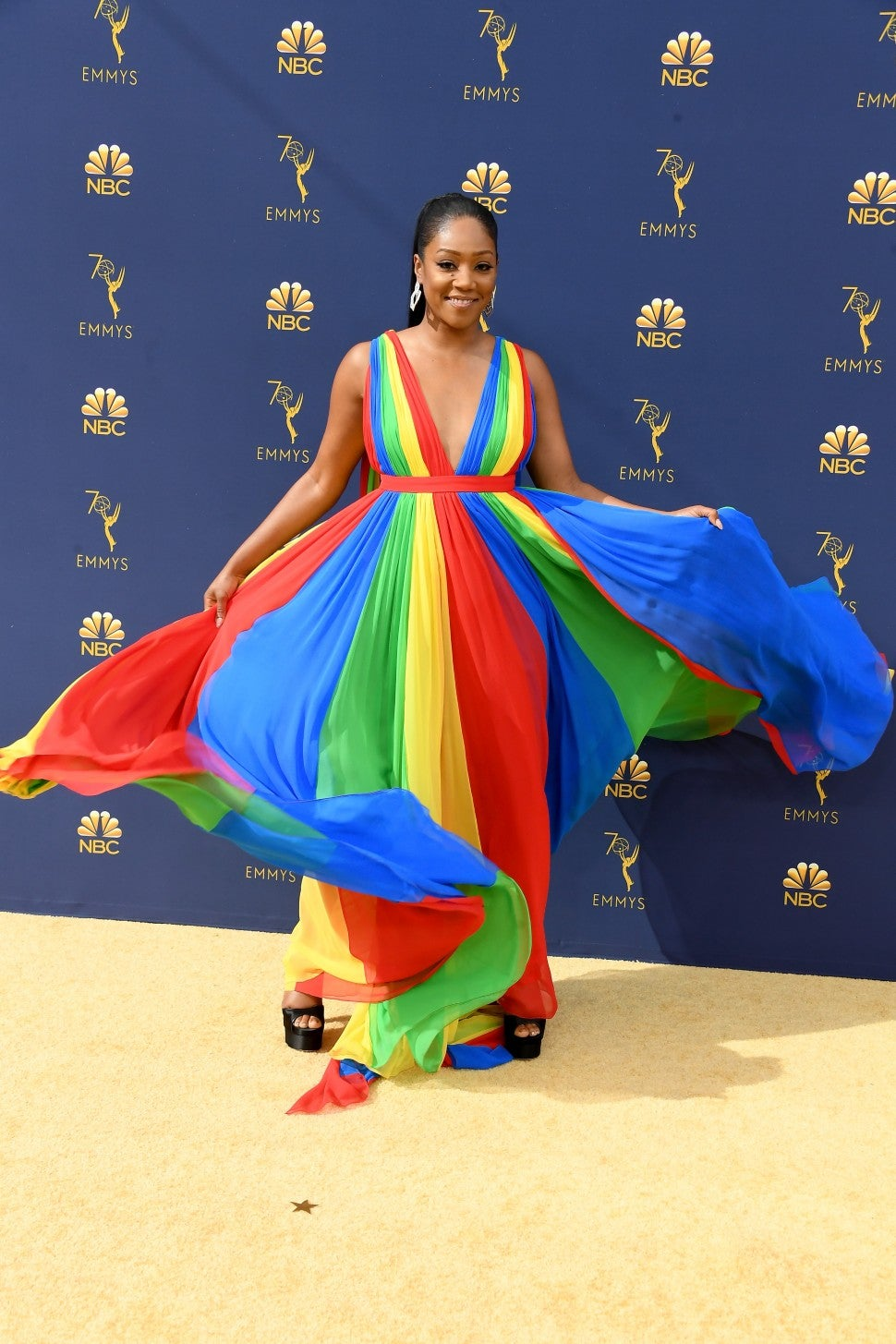 Tiffany Haddish twirling Emmys 2018