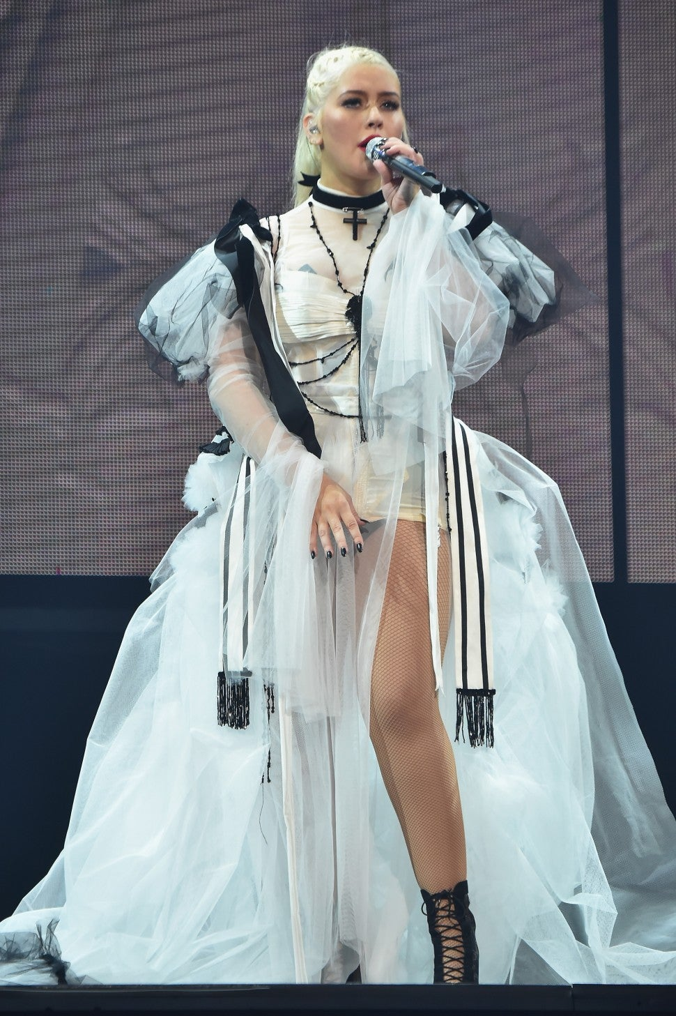 Christian Aguilera tour white dress