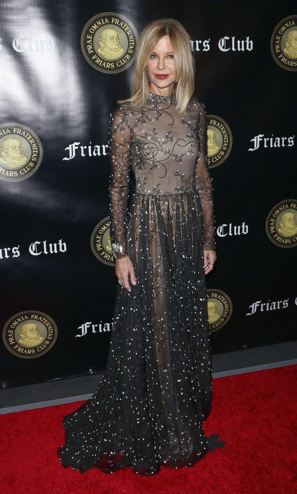 Meg Ryan attends the Friar's Club Entertainment Icon Award at The Ziegfeld Ballroom on November 12, 2018 in New York City.