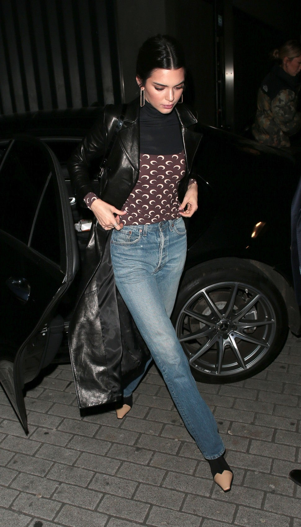 Kendall Jenner in jeans winter outfit