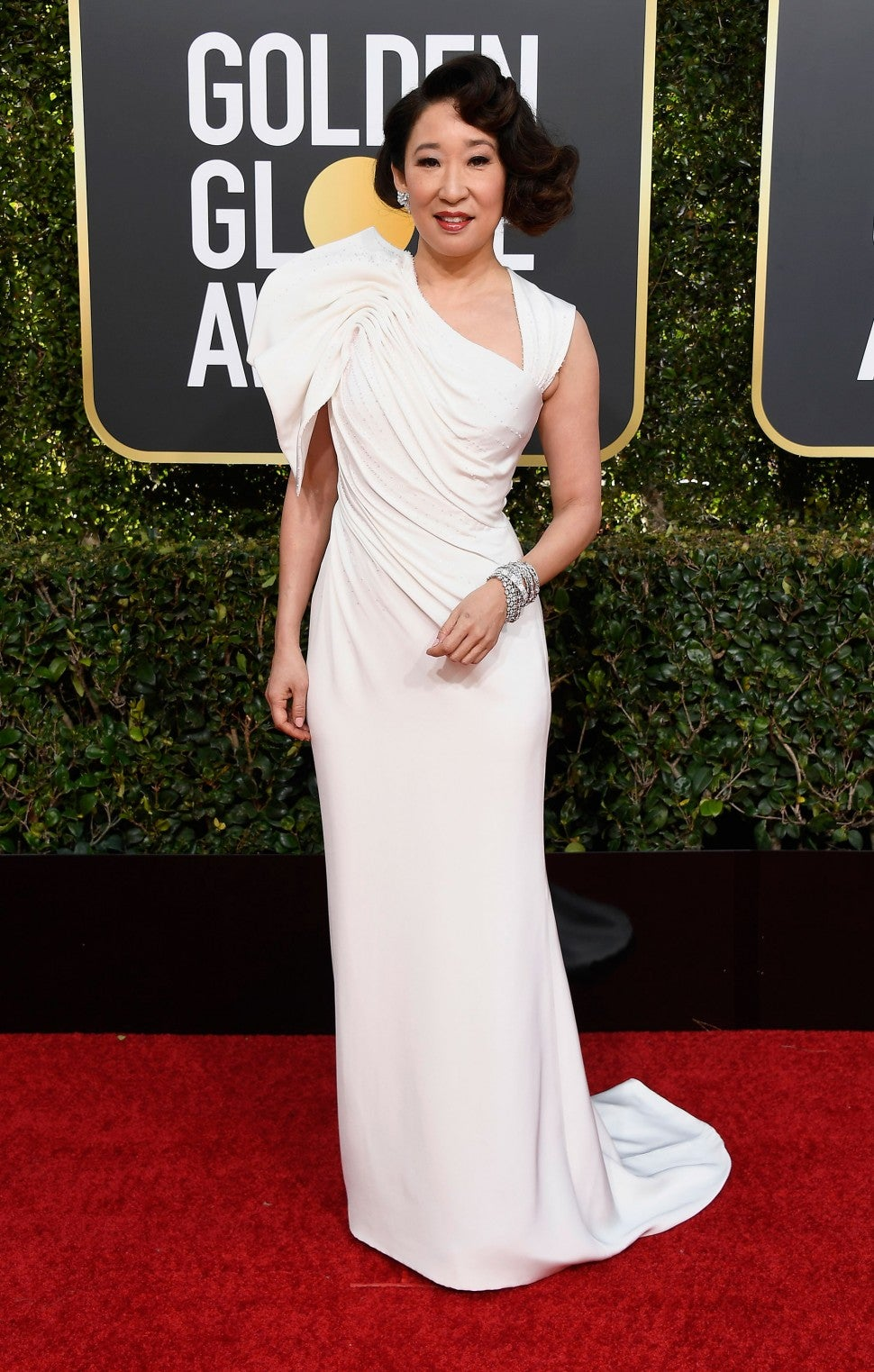 Sandra Oh at golden globes 2019
