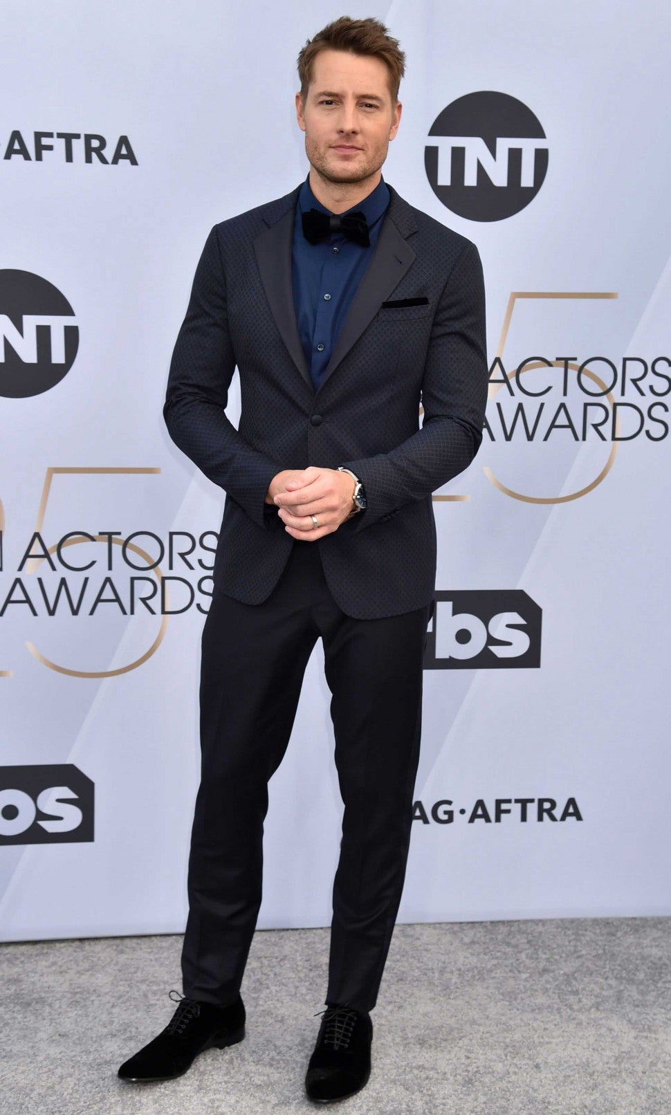 Justin Hartley at the 25th Annual Screen Actors Guild Awards