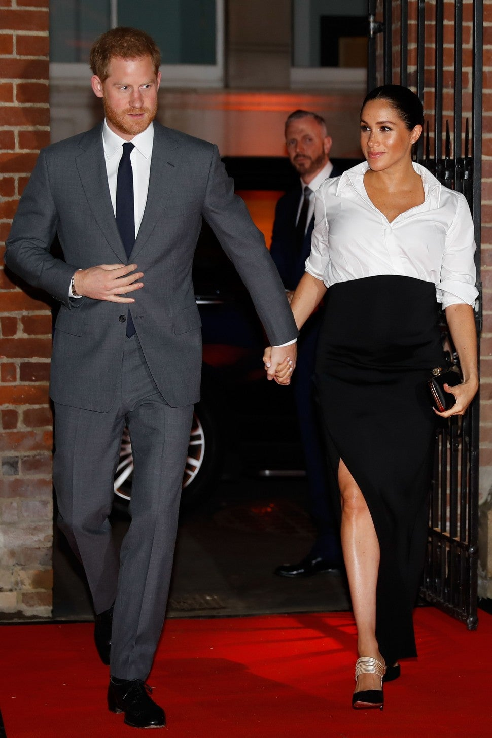 meghan markle channels her former suits character for royal outing with prince harry entertainment tonight meghan markle channels her former