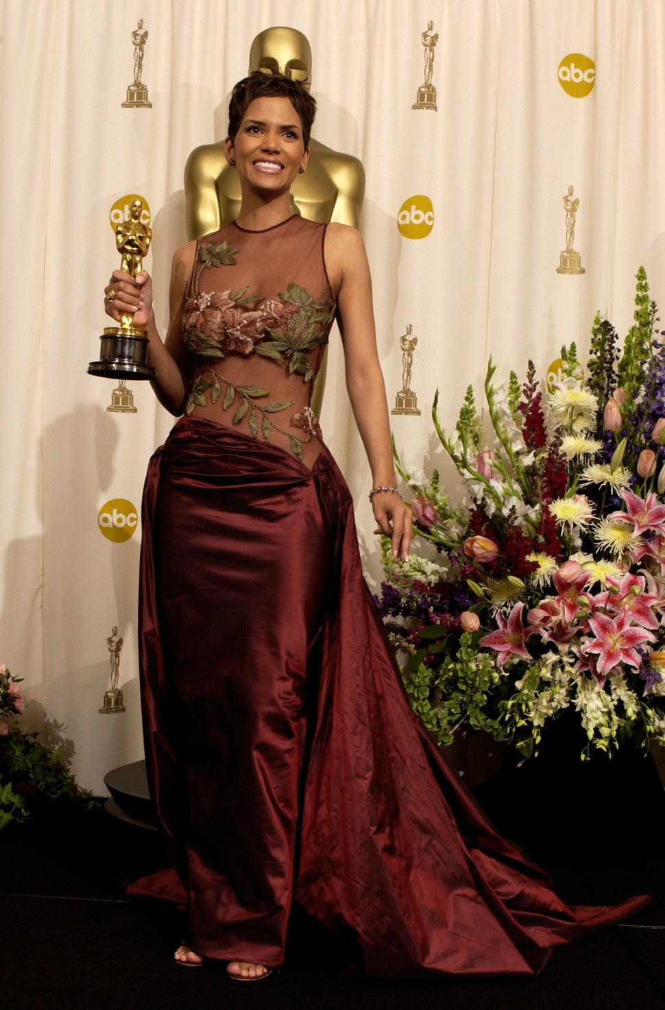 Halle Berry Oscars 2002 dress
