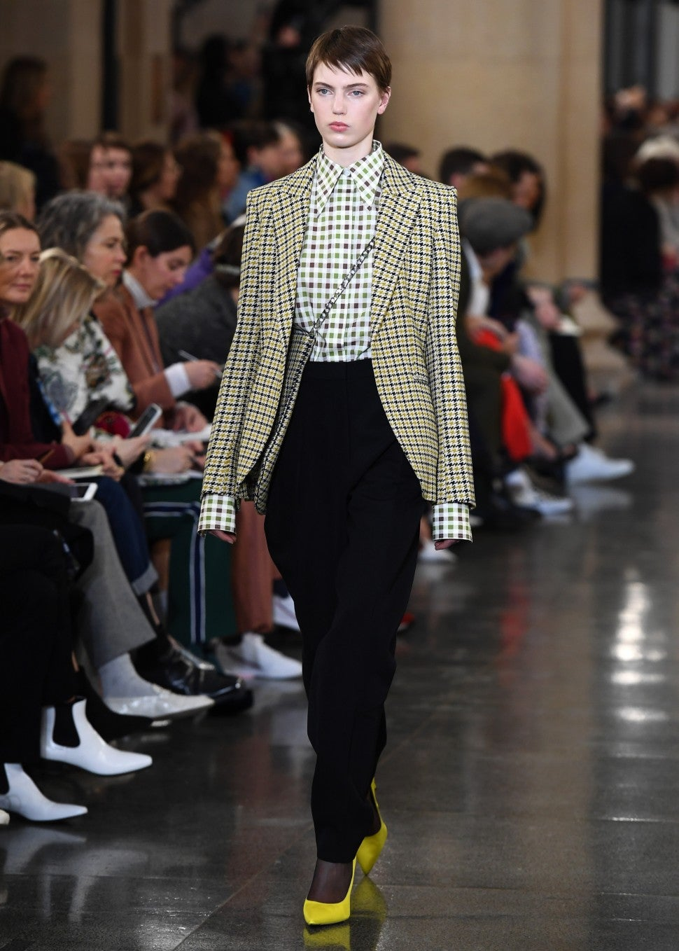 Victoria Beckham fall 2019 houndstooth trend