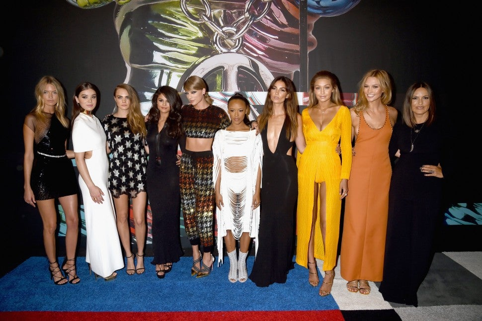 Models Gigi Hadid and Martha Hunt, actress Hailee Steinfeld, model Cara Delevingne, recording artists Selena Gomez and Taylor Swift, actress Serayah McNeill, model Lily Aldridge, actress Mariska Hargitay and model Karlie Kloss attend the 2015 MTV Video Music Awards at Microsoft Theater on August 30, 2015 in Los Angeles, California.