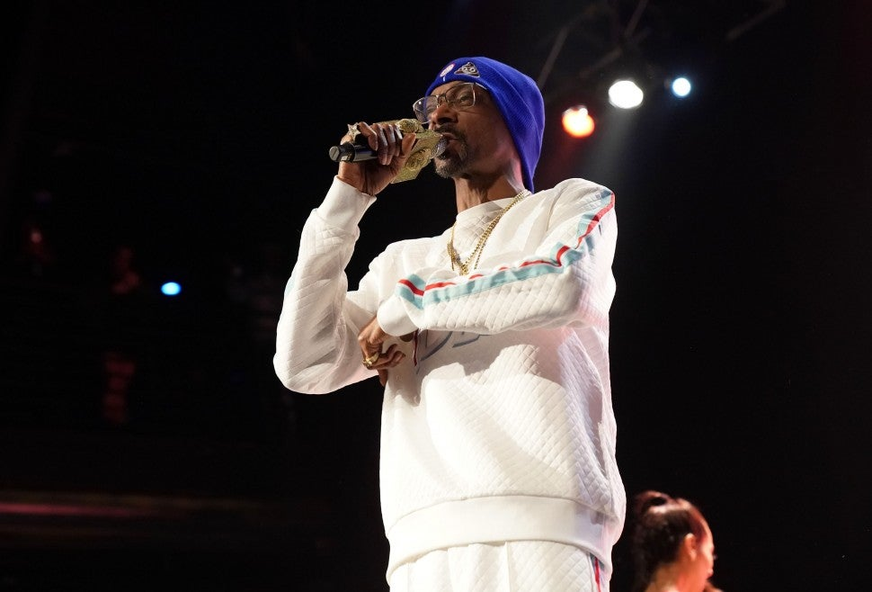 Snoop Dogg Salute the Troops