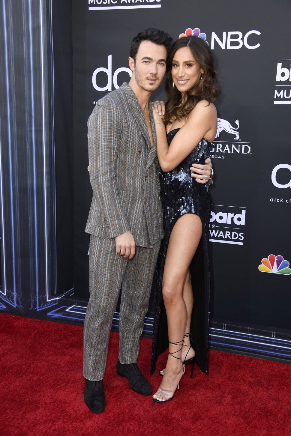 kevin jonas danielle jonas 2019 billboard music awards