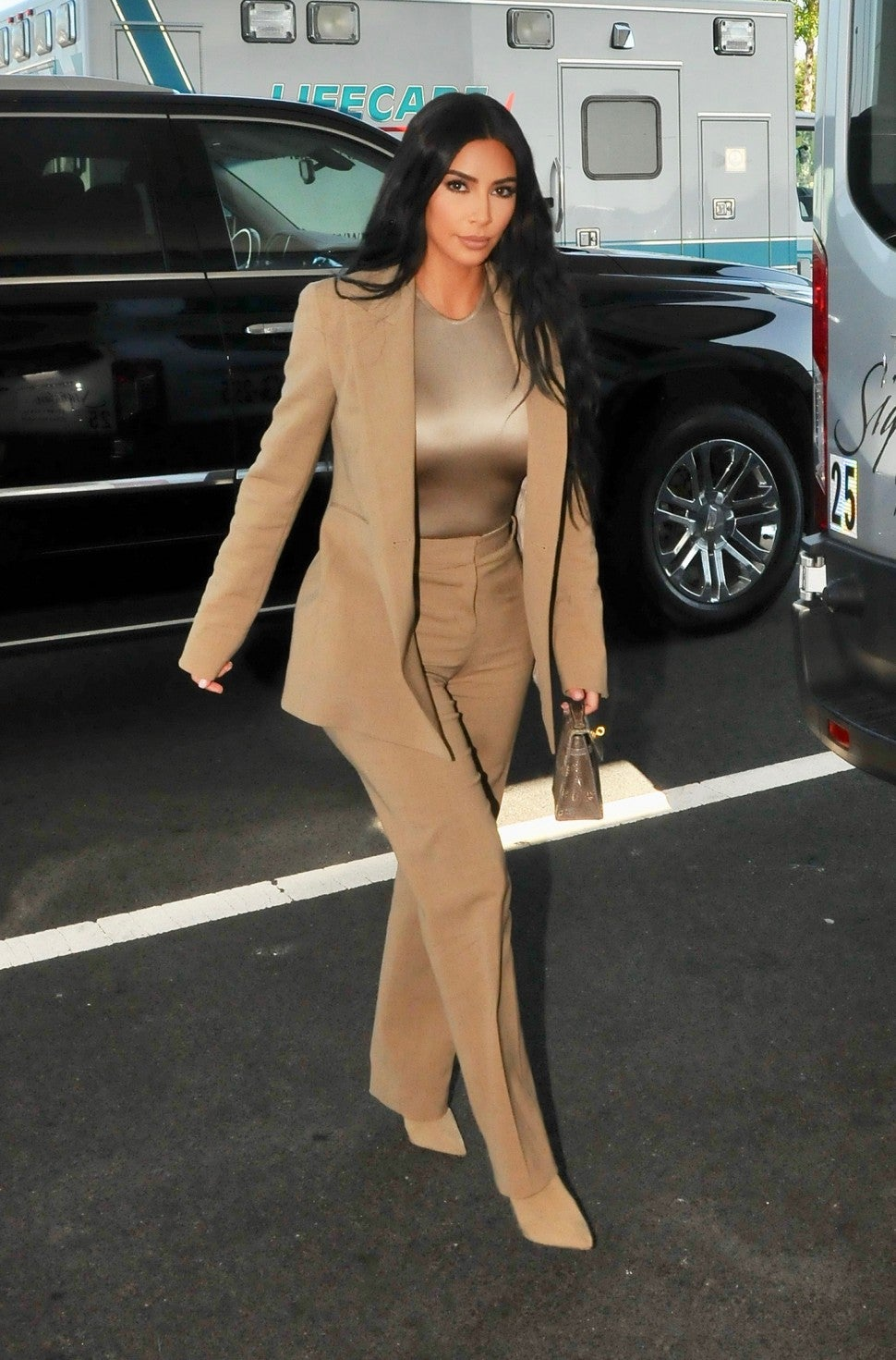 Kim Kardashian at white house on july 25