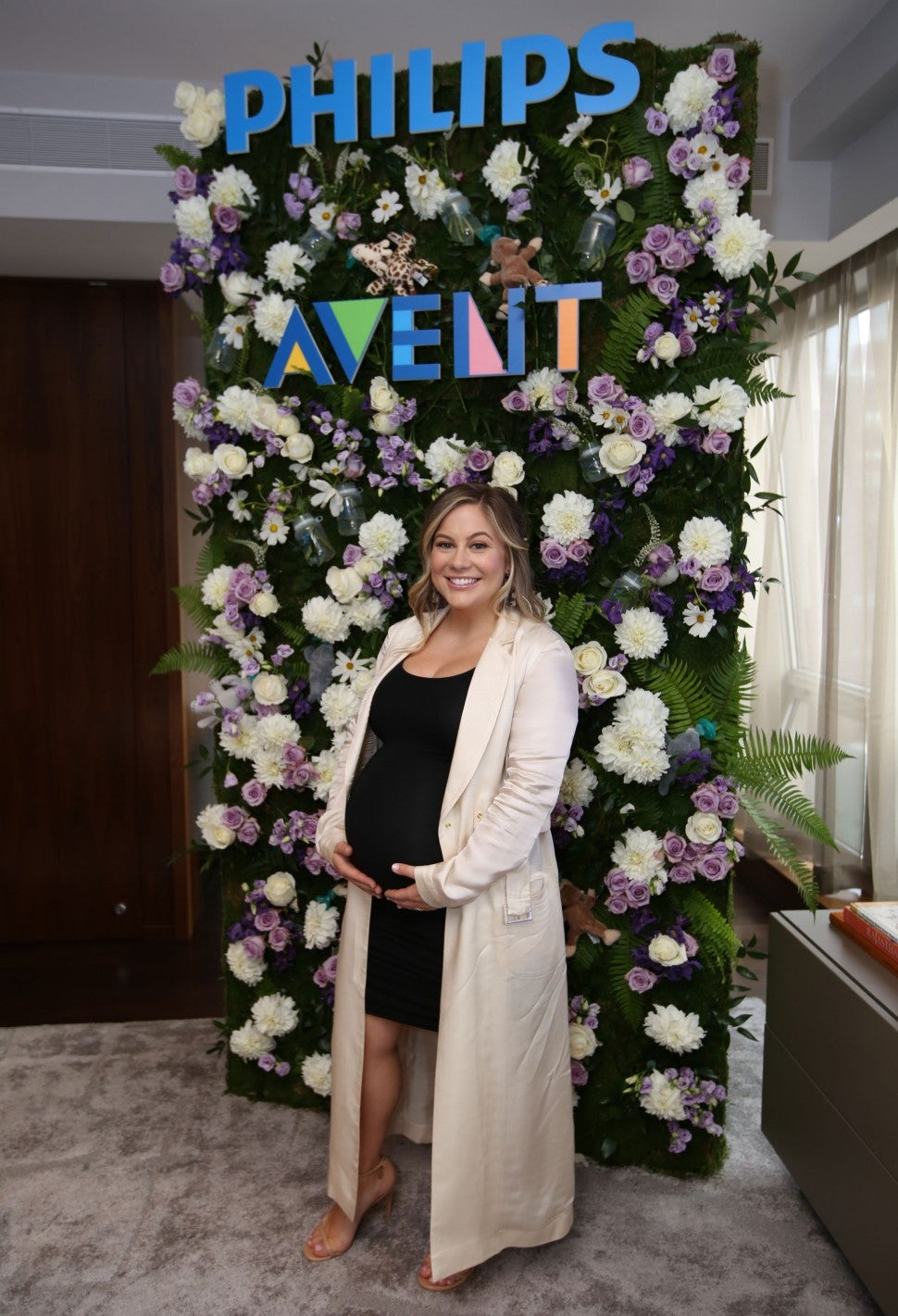 Shawn Johnson with philips avent
