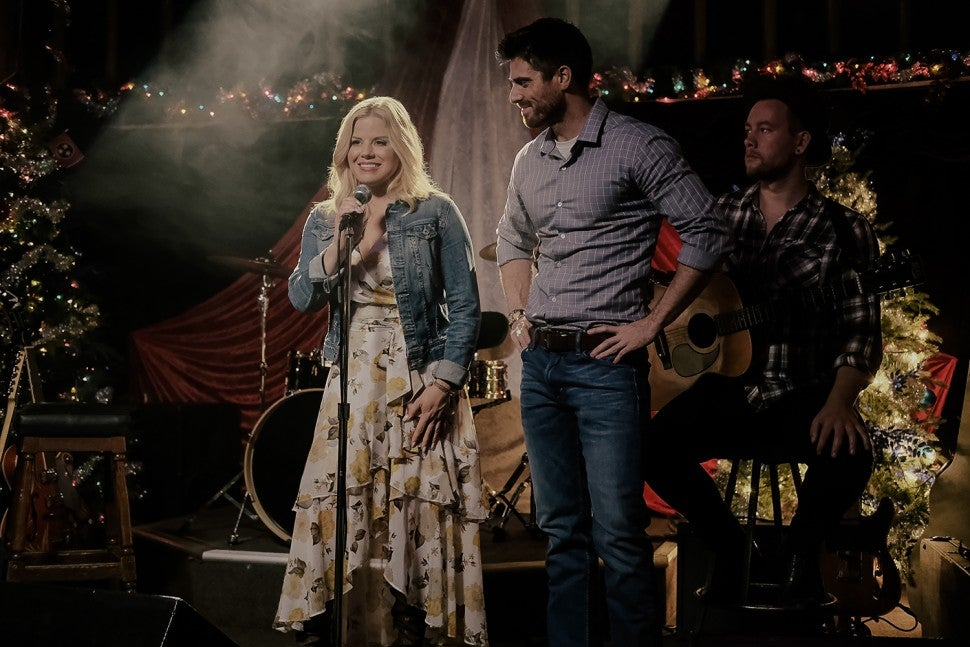 Sweet Mountain Christmas, Megan Hilty